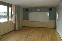 真龍小学校利用案内-会議室-001